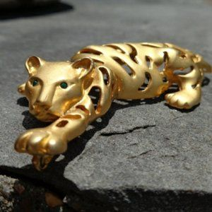 Jewelry - Vintage Goldtone Tiger Brooch Pendant Pin